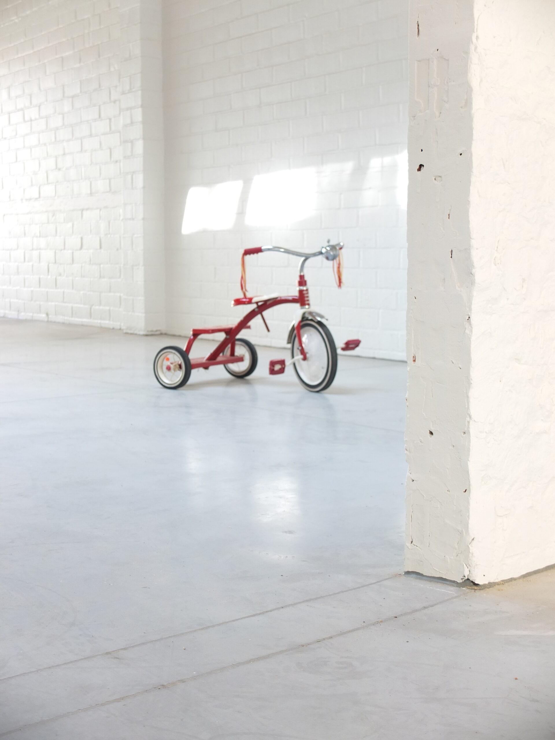 Gepolierde beton met fiets